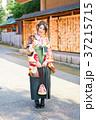 袴を着た女性 37215715