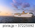 旅客船 豪華客船 出港の写真 37225092