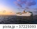 旅客船 豪華客船 出港の写真 37225093