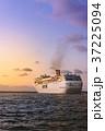 旅客船 豪華客船 出港の写真 37225094