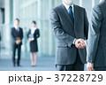 握手 ビジネスマン ビジネスの写真 37228729