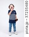 少年 男の子 男児の写真 37235480