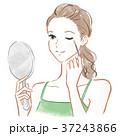 化粧する女性 37243866