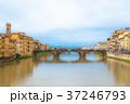 フィレンツェ アルノ川 ヴェッキオ橋の写真 37246793