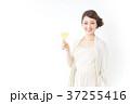シャンパン 女性 人物の写真 37255416