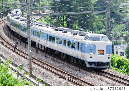 中央本線 快速富士山 183系 37332043