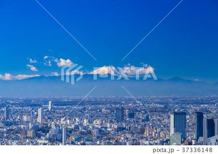《東京都》東京の街並み・彼方に浮かぶ富士山 37336148