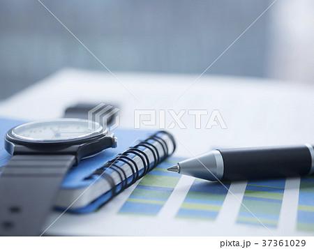 ビジネスイメージ・グラフ・時計・手帳 37361029