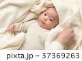 赤ちゃん 手 人物の写真 37369263