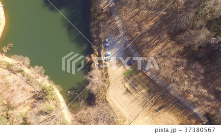 ドローンで上空から撮影した「谷津池」(埼玉県大里郡寄居町) 37380567