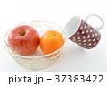 オレンジ リンゴ 果物の写真 37383422