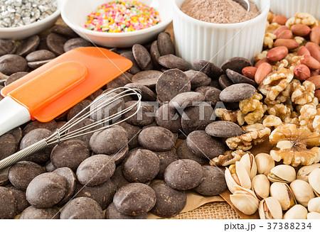 手作りチョコレート バレンタインデー 本命チョコ お菓子作り 37388234