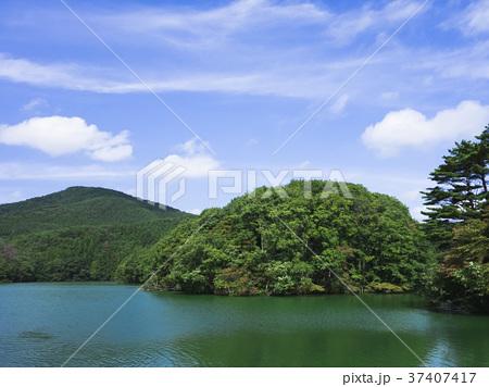 山と池 37407417