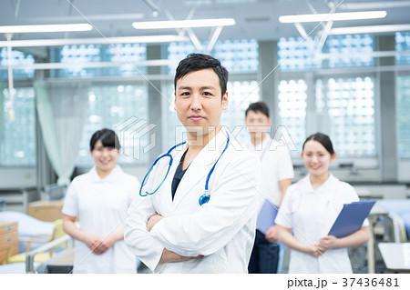 医療スタッフ、働く人々、医師、看護師、介護士、トレーナー 37436481