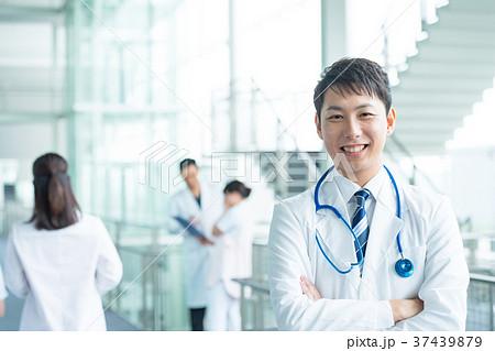 医療スタッフ、働く人々、医師、看護師 37439879