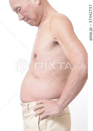 太った男性のお腹 37442737