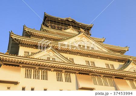 夕暮れの大阪城 37453994