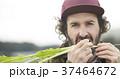 農業 野菜 収穫 外国人男性 37464672