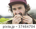 農業 野菜 収穫 外国人男性 37464704
