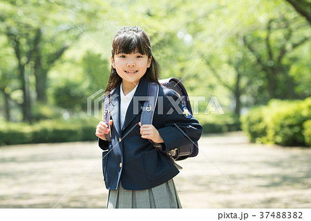 子供 小学生 入学式 イメージ 37488382