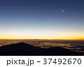 丹沢・塔ノ岳から湘南の夜景と夜明けの大山方面 37492670