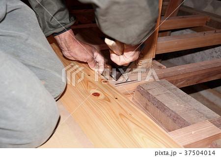 大工さんの仕事:現役職人 37504014