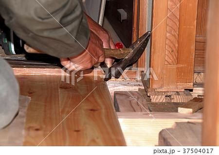 大工さんの仕事:現役職人 37504017