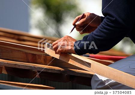大工さんの仕事:現役職人 37504085
