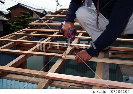 大工さんの仕事:現役職人 37504104
