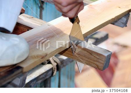 大工さんの仕事:現役職人 37504108