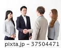 男性 ビジネスマン ビジネスウーマンの写真 37504471