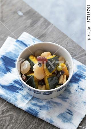 かぼちゃと甘納豆の煮物 37513791