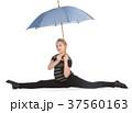 雨 女性 女の子の写真 37560163