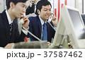 ビジネスマン 営業電話 37587462