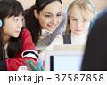 インターナショナルスクール オンライン授業 37587858