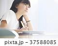 小学生 教室 女の子 37588085