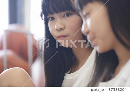小学生 女の子 相談 思春期 37588204