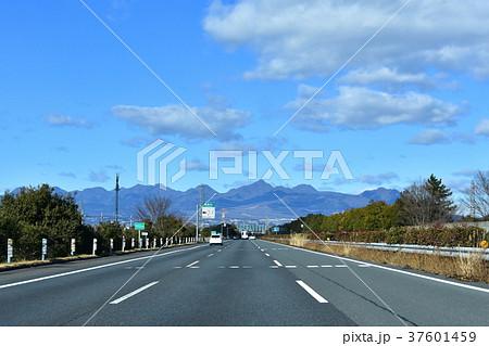 関越道から榛名山の眺め 37601459