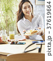 ライフスタイル 女性 ビジネスウーマンの写真 37619664