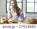 ライフスタイル 女性 ビジネスウーマンの写真 37619685
