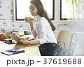 ライフスタイル 女性 ビジネスウーマンの写真 37619688