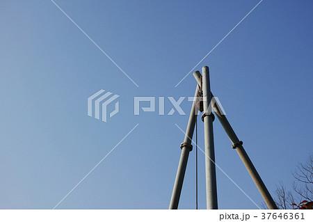 単管の三脚支柱についた滑車 37646361