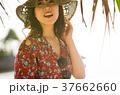 南国を旅する女性 37662660