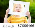 フレーム 子供 女の子の写真 37666466