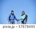 山歩き ハイキング 青空の写真 37678495