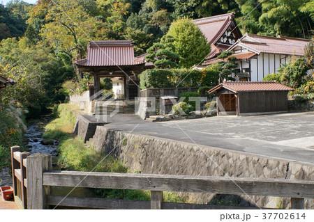石見銀山町並み(西性寺) 37702614