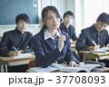 女性 男子学生 学生の写真 37708093