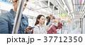 人物 電車 乗客の写真 37712350