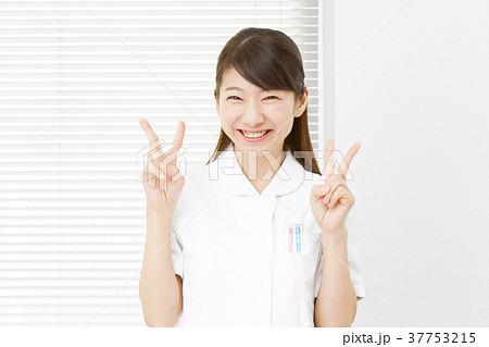 女性 医療 ピース 37753215