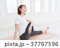 女性 フィットネス ヨガの写真 37767596